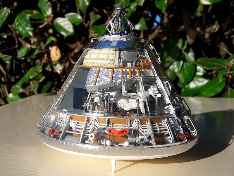 Apollo CSM [Revell 1/32] - Montage de Lunokhod 2 060