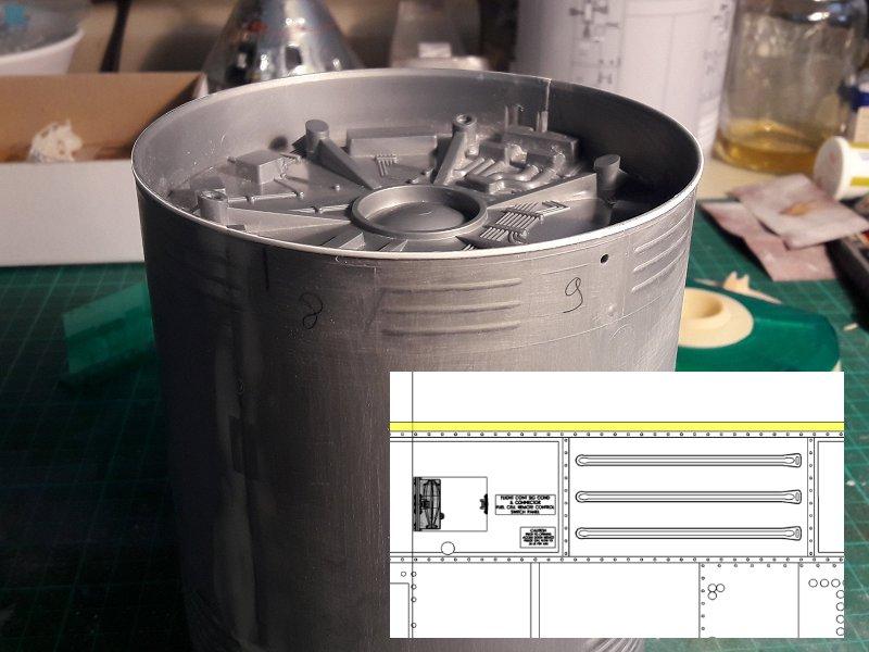 Apollo CSM [Revell 1/32] - Montage de Lunokhod 2 004
