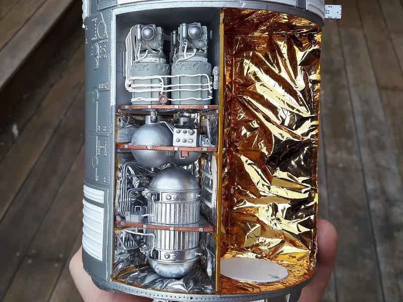 Apollo CSM [Revell 1/32] - Montage de Lunokhod 2 059