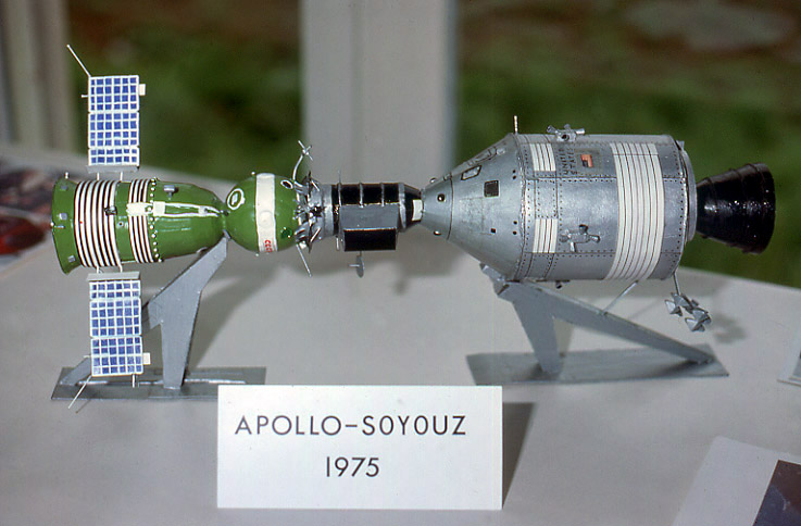 Lunokhod au 1/10 eme ApolloSoyuz_a