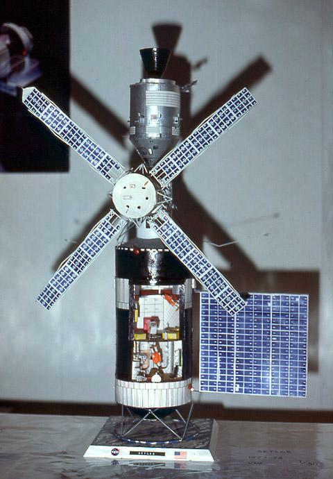 (Maquettes) Tiangong 1 - Shenzhou 9 Skylab_b