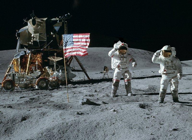 Panoramas lunaires A16-113-18339-41LRa