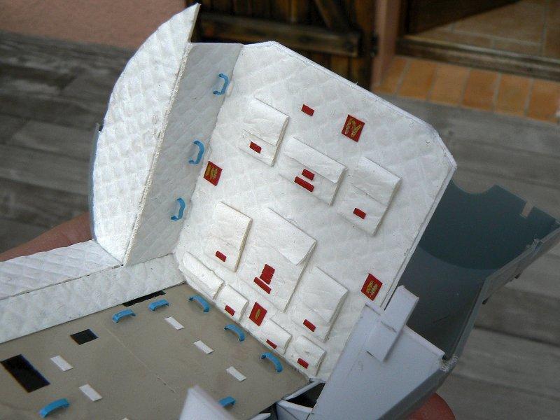 (Maquettes) Tiangong 1 - Shenzhou 9 - Page 2 P1230227