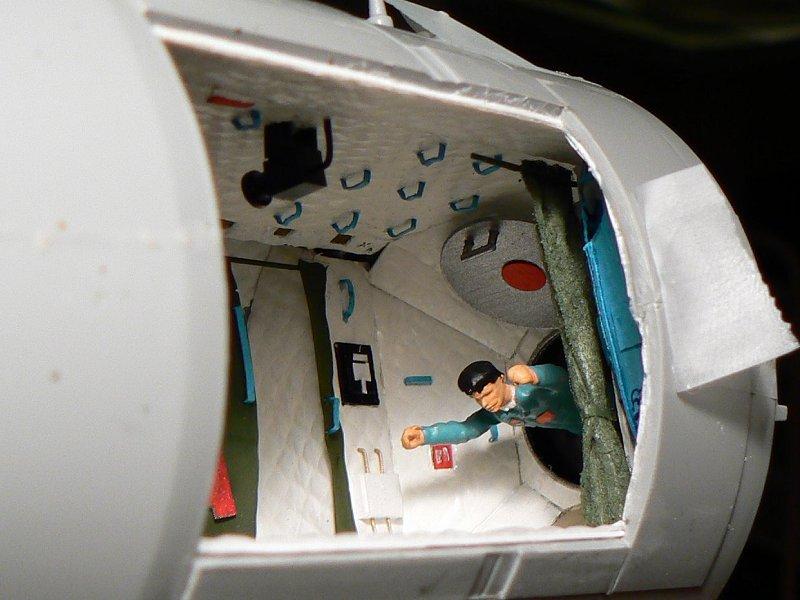 (Maquettes) Tiangong 1 - Shenzhou 9 - Page 3 P1230646