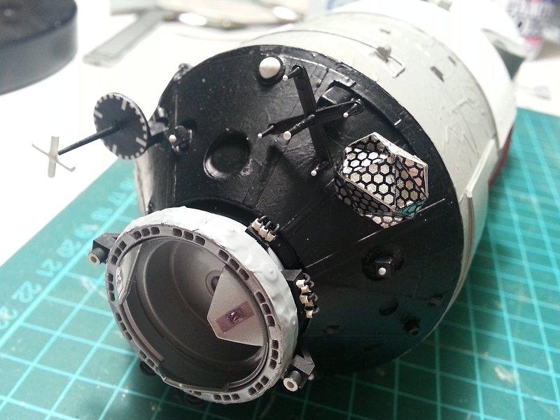 (Maquettes) Tiangong 1 - Shenzhou 9 - Page 3 P1250295